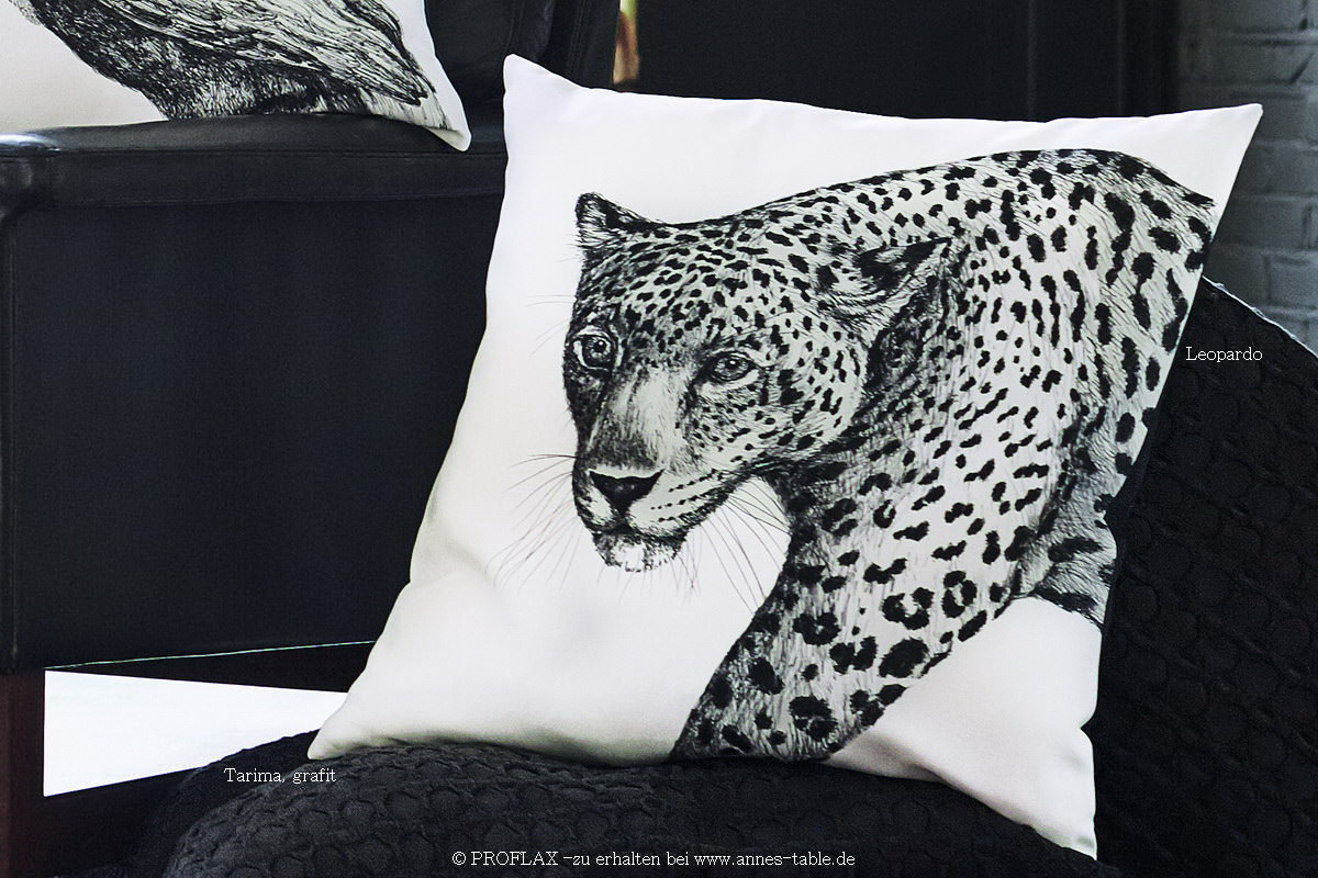 anne 39 s table leopardo digitaldruck gezeichneter leopard kissen schwarz weiss exklusive. Black Bedroom Furniture Sets. Home Design Ideas